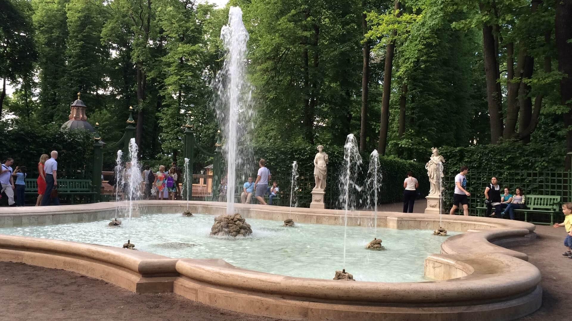 St Petersburg Walking